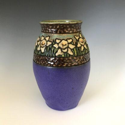 Rimmed Daffodil Vase