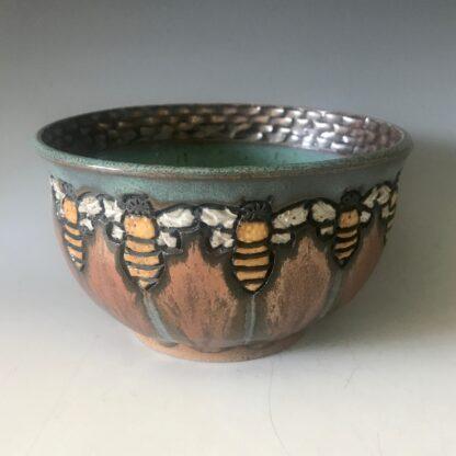 Bee bowl